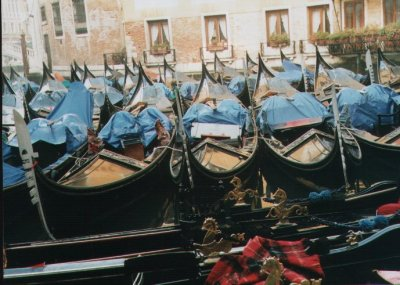 Gondolas on a cold Winter Day (Boxing Day 1998)